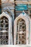 葡萄酒被成拱形的窗架在乔治亚古董节日的待售 库存图片