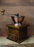 葡萄酒被称呼老磨咖啡器 免版税库存图片