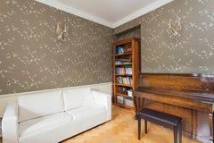 葡萄酒豪宅-休闲室 免版税图库摄影
