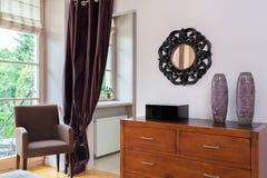 葡萄酒豪宅-卧室家具 库存图片