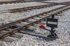 葡萄酒铁路联轨点和开关有信号的 库存照片