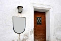 葡萄酒门,对小酒馆的入口 库存照片