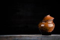 葡萄酒陶瓷罐 库存图片