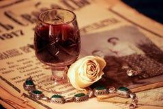 葡萄酒静物画用酒 免版税库存图片