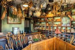 葡萄酒黑国家生存博物馆的铁器商商店 免版税库存照片