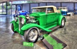 葡萄酒20世纪30年代福特旧车改装的高速马力汽车 免版税库存照片