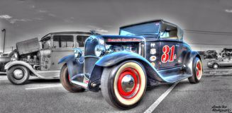 葡萄酒20世纪30年代福特旧车改装的高速马力汽车 库存照片