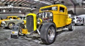 葡萄酒20世纪30年代福特旧车改装的高速马力汽车 库存图片