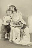 葡萄酒维多利亚女王时代的家庭画象 库存图片