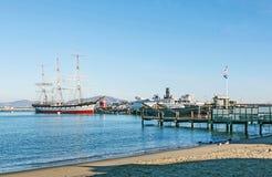 葡萄酒1886帆船、Balclutha和1914明轮猛拉小船 免版税库存图片