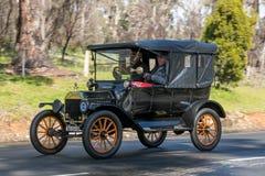 葡萄酒1915年福特模型T游览车 免版税库存图片