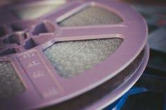 葡萄酒紫色超级8部电影卷轴 库存图片