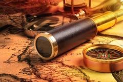 葡萄酒黄铜望远镜 图库摄影
