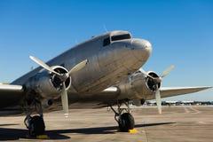 葡萄酒DC-3飞机 免版税图库摄影