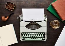 葡萄酒f类型打字机 免版税库存照片