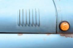 葡萄酒SUV车显示和格栅 免版税库存照片
