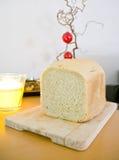 董事会木面包的剪切 免版税库存图片