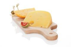 董事会查出的干酪砍 免版税库存照片