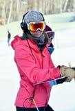 蒂娜萨顿纪念品-障碍滑雪滑雪竞争 免版税图库摄影