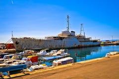 蒂托夫Galeb靠码头的船击毁 库存图片