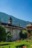 蒂拉诺狭窄的街道的看法用意大利语瓦尔泰利纳- 11 库存照片