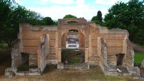蒂沃利-在三Exedras大厦的意大利鸟瞰图的别墅艾德里安娜文化罗马游览考古学地标 股票视频