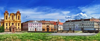 蒂米什瓦拉,罗马尼亚- 2015年7月04日:与历史大厦的全景在联合正方形 02罗马尼亚方形timisoara联盟 库存图片