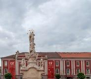 蒂米什瓦拉,罗马尼亚- 2016年10月15日雕象从1756在自由广场在蒂米什瓦拉 免版税图库摄影