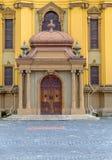 蒂米什瓦拉- 2016 10月15日,天主教主教制度的教会的门在蒂米什瓦拉,罗马尼亚 免版税库存图片