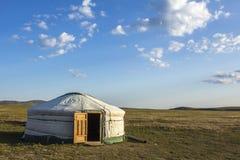 蒙古人Ger干草原 免版税库存图片