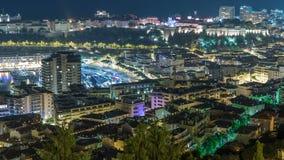 蒙地卡罗,摩纳哥与大厦和交通屋顶的夜timelapse都市风景在路 股票录像