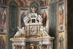 蒙塔尼亚纳,意大利- 2017年8月6日:保佑的圣母玛丽亚的做法的大教堂1431 -1502 图库摄影