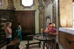 蒙塞利切,意大利- 2017年7月13日:别墅Dudo和圣乔治教会  内部 免版税库存图片
