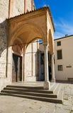 蒙塞利切,意大利- 2017年7月13日:圣朱斯蒂纳老大教堂的门面在帕多瓦省的蒙塞利切  库存照片