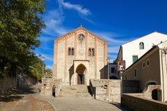 蒙塞利切,意大利- 2017年7月13日:圣朱斯蒂纳老大教堂的门面在帕多瓦省的蒙塞利切  免版税库存图片