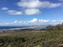 蒙大拿De Oro加利福尼亚Morro与Morro岩石的子线海滩 免版税库存图片