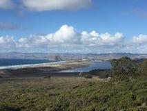 蒙大拿De Oro加利福尼亚Morro与Morro岩石的子线海滩 库存图片