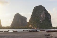 朴蒙山海滩在Trang,泰国 免版税库存图片