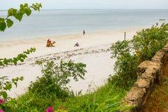 蒙巴萨海滩旅游业人 库存图片