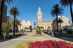 蒙得维的亚,乌拉圭- 2018年2月04日:广场indepedencia与 免版税库存照片