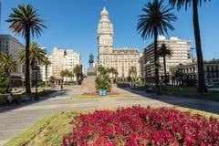 蒙得维的亚,乌拉圭- 2018年2月04日:广场indepedencia与 库存图片