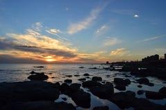 蒙得维的亚海岸日落 免版税库存图片