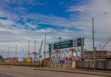 蒙得维的亚,乌拉圭- 2016年5月04日:蒙得维的亚港是其中一个最重要的口岸在乌拉圭和在南部 库存图片