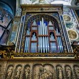 蒙扎, ITALY/EUROPE - 10月28日:器官在大教堂中央寺院 库存照片