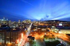 蒙特利尔在日落,魁北克,加拿大的市地平线 库存照片