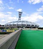 蒙特利尔奥林匹克体育场和塔 图库摄影