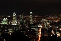 蒙特利尔市在晚上 免版税库存照片