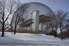 蒙特利尔生物圈在冬天 免版税库存照片