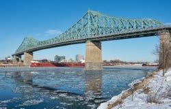 蒙特利尔雅克・卡蒂埃桥梁在冬天2018年 免版税库存照片