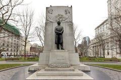 蒙特利尔,加拿大先生威尔弗里德・劳雷尔-古铜  库存图片